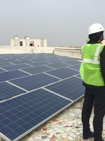 panneaux solaires, toiture, Delhi, Azure Power Rooftop