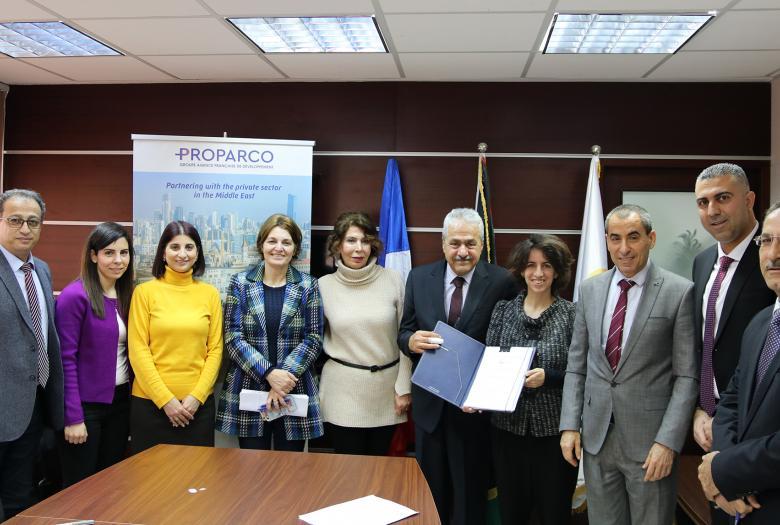 Signature avec Faten