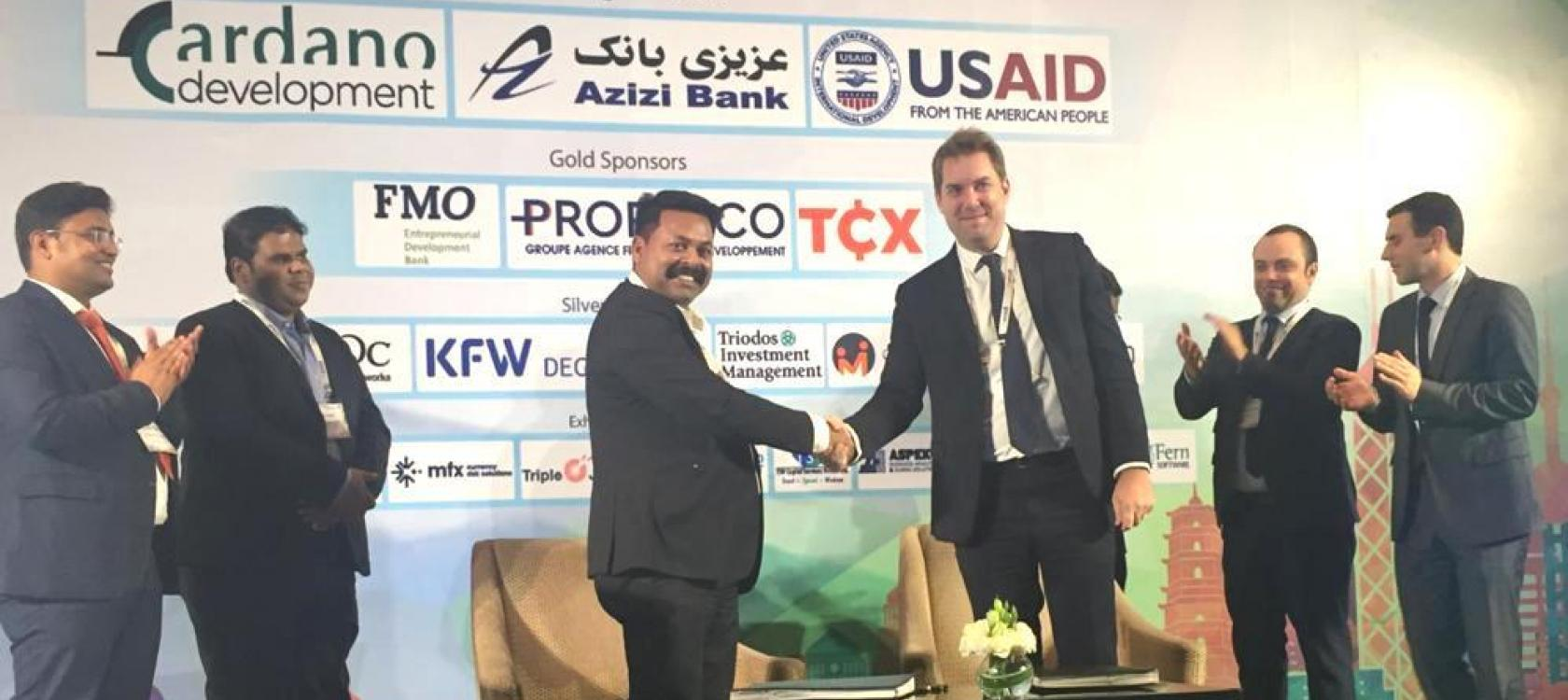 Thomas Eloy, Proparco's Global Head of Lending Operations, and Dibyajyoti Pattanaik, Director of Annapurna, sign an agreement for a  USD 15 million credit line, during Afiforum 2020